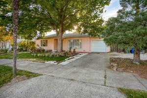 4626 Harrison, Redding, CA 96001