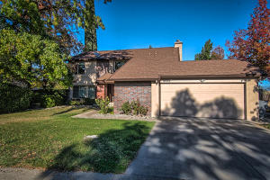 3554 Wasatch Dr, Redding, CA 96001
