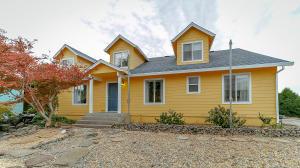 12945 Peach Tree Ln, Red Bluff, CA 96080