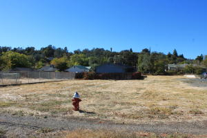 3404 Railroad Ave, Redding, CA 96001