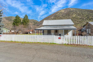 14221 Main St, French Gulch, CA 96033