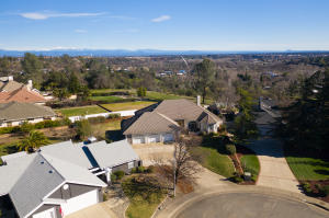 275 Kingswood Ct, Redding, CA 96003