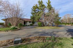 6426 Park Ridge Dr, Anderson, CA 96007
