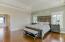 Master Bedroom7