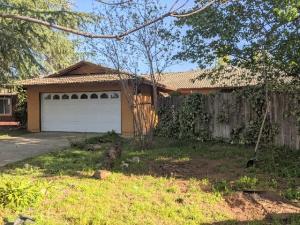 1154 Woodland Terrace, Redding, CA 96002