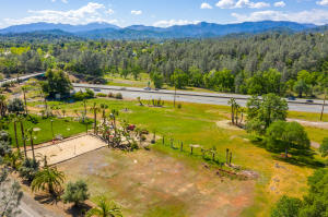 19254 Union School Rd, Redding, CA 96003
