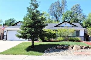 662 Valleybrook Dr, Redding, CA 96003