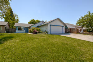 1851 Vega St, Redding, CA 96002