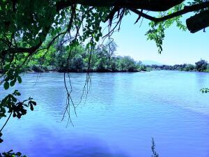 Riverland Dr, Redding, CA 96002