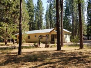 44961 Pine Shadows Rd, Mcarthur, CA 96056