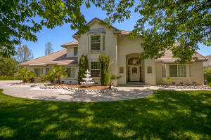 13365 TIERRA OAKS DR, REDDING, CA 96003