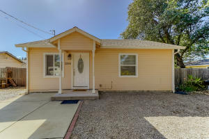 2856 Heather Ln, Redding, CA 96002