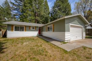 20139 Sugar Pine St, Burney, CA 96013