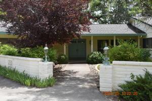 22136 Brundage Rd, Palo Cedro, CA 96073