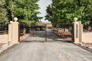 22132 Graystone Ct, Palo Cedro, CA 96073