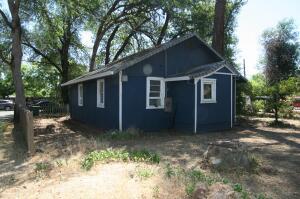 3066 School St, Redding, CA 96002