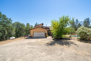 17132 Blue Horse Rd, Anderson, CA 96007