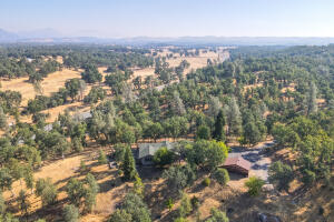 12252 Old Ranch Rd, Bella Vista, CA 96008