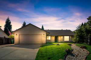 4493 Hillington Ct, Shasta Lake, CA 96019