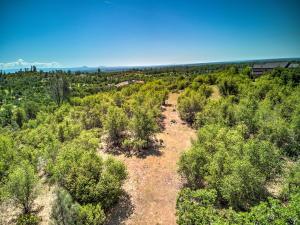 Jones Valley Trl, Bella Vista, CA 96008