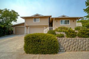 3880 Westgate Ave, Redding, CA 96001
