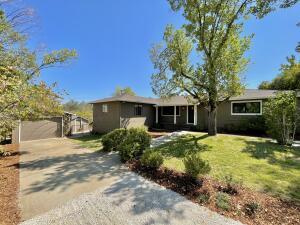 1805 Mesa St, Redding, CA 96001