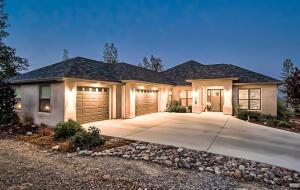 15160 Diggins Way, Redding, CA 96001