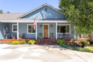 5225 Country Farms Ln, Anderson, CA 96007