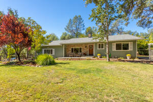 9010 Simmons Rd, Redding, CA 96001