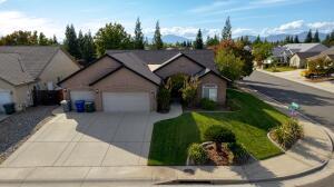 608 San Gabriel St, Redding, CA 96003