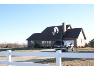 421 Us Hwy 65, Walnut Shade, MO 65771