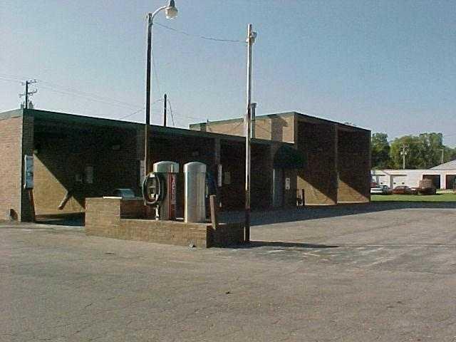 521 Sycamore, Aurora, Missouri 65605