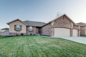 4870 West Silo Hills Drive, Springfield, MO 65802