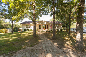 7157 North Farm Road 105, Willard, MO 65781