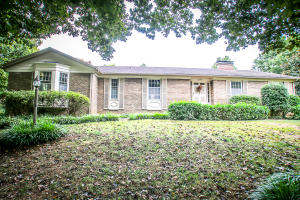 2340 South Catalina Avenue, Springfield, MO 65804