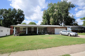 1415 South Sieger Drive, Springfield, MO 65804