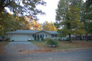 1036 West Arlington Drive, Springfield, MO 65803