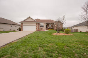 504 South Chandler Drive, Willard, MO 65781