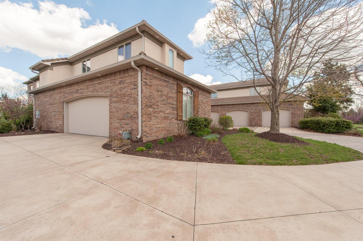 3939 East Knollwood Drive Ozark, MO 65721