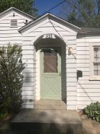 828 South Douglas Avenue, Springfield, MO 65806