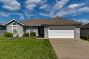 860 South Jester Avenue, Springfield, MO 65802