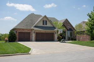 6433 South Valley Brook Court, Springfield, MO 65810