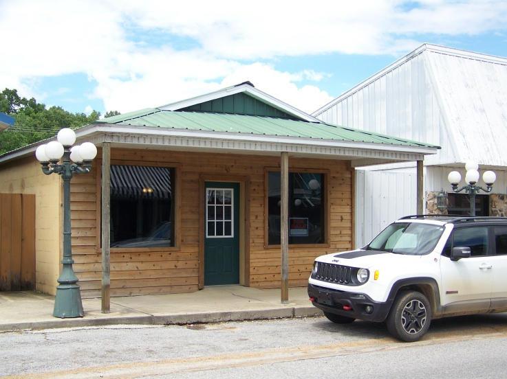 235 Main Street, Mammoth Spring, Arkansas 72554