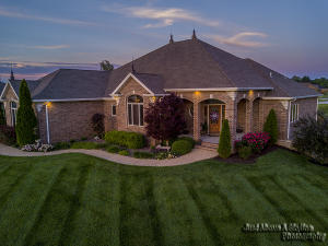 3842 West Stonehinge Drive, Springfield, MO 65807