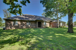 392 South Gregg Road, Nixa, MO 65714