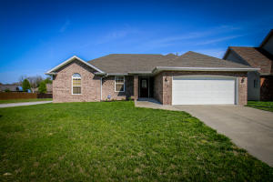 716 South Christopher Avenue, Springfield, MO 65802