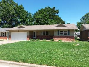 904 South Luster Avenue, Springfield, MO 65802