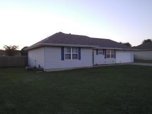 211 Arrowhead Road, Willard, MO 65781
