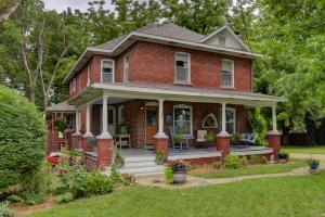 506 West Boone Street, Ash Grove, MO 65604