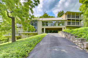 5200 East Division Street, Springfield, MO 65802